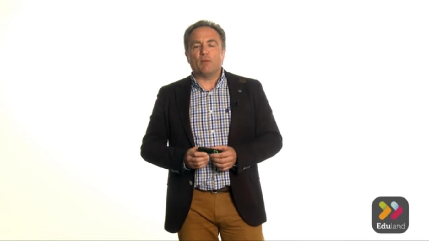"Qué es el ""Flipped Classroom""- Raúl Santiago"